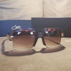 Cazal 670 Sunglasses Tortoise